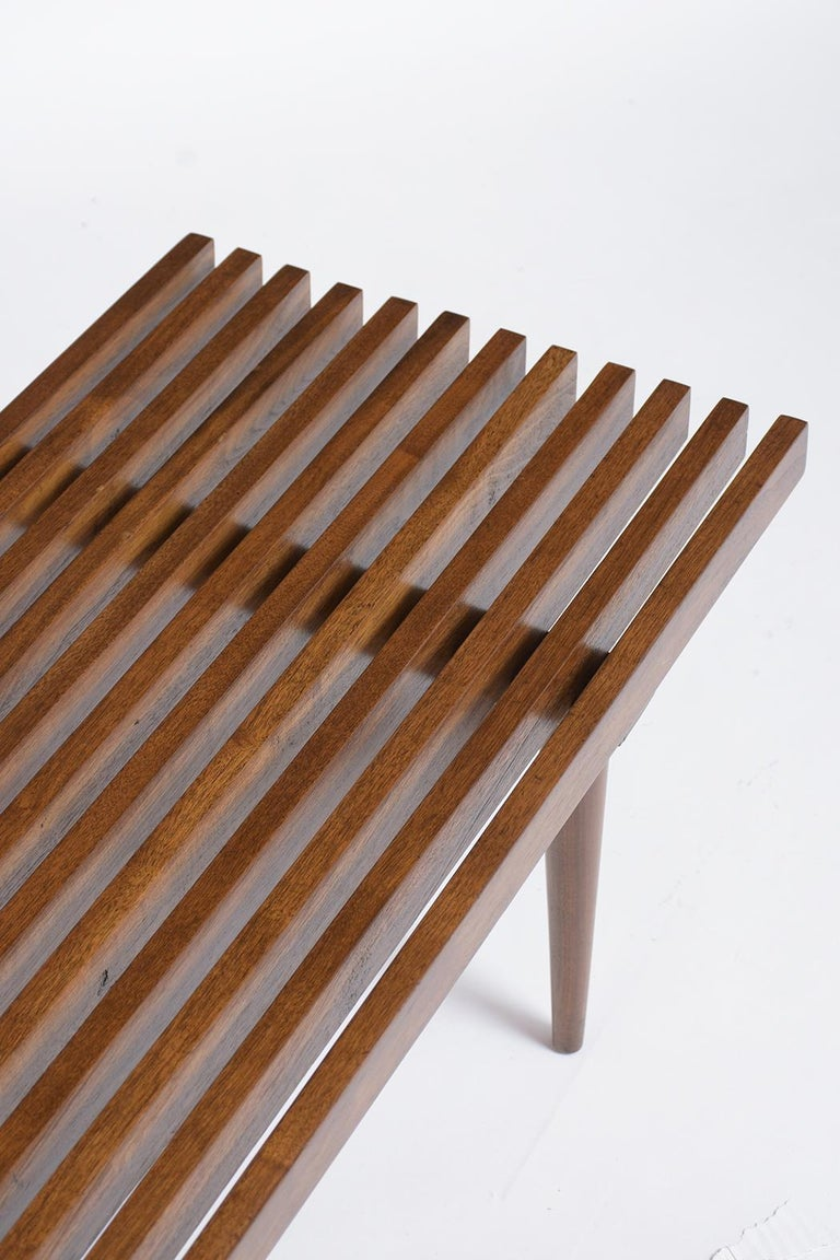 Mid-Century Modern Slatted Bench In Good Condition In Los Angeles, CA