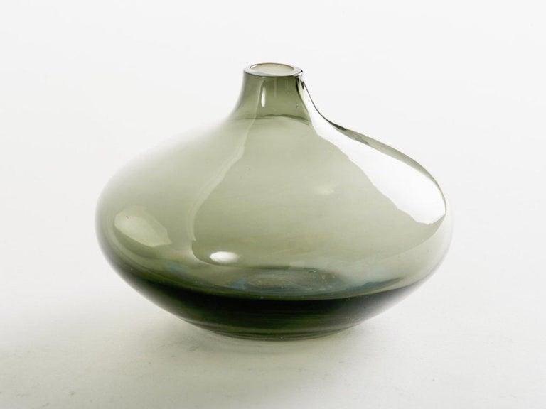 Mid-Century Modern Smoked Grey Glass Teardrop Bud Vase For Sale 1