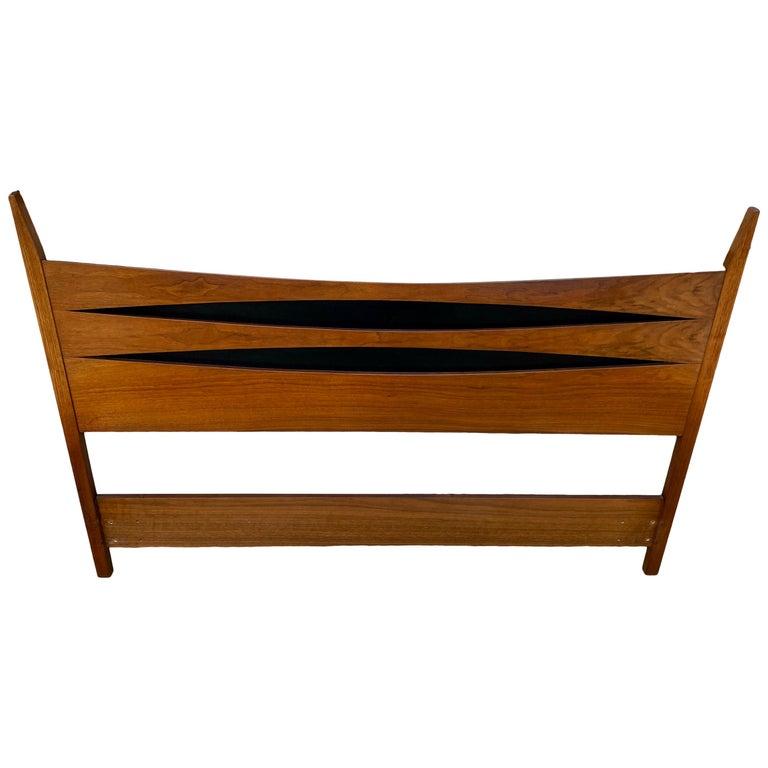 Mid-Century Modern Solid Walnut Queen Bed Headboard Style of Arne Vodder For Sale