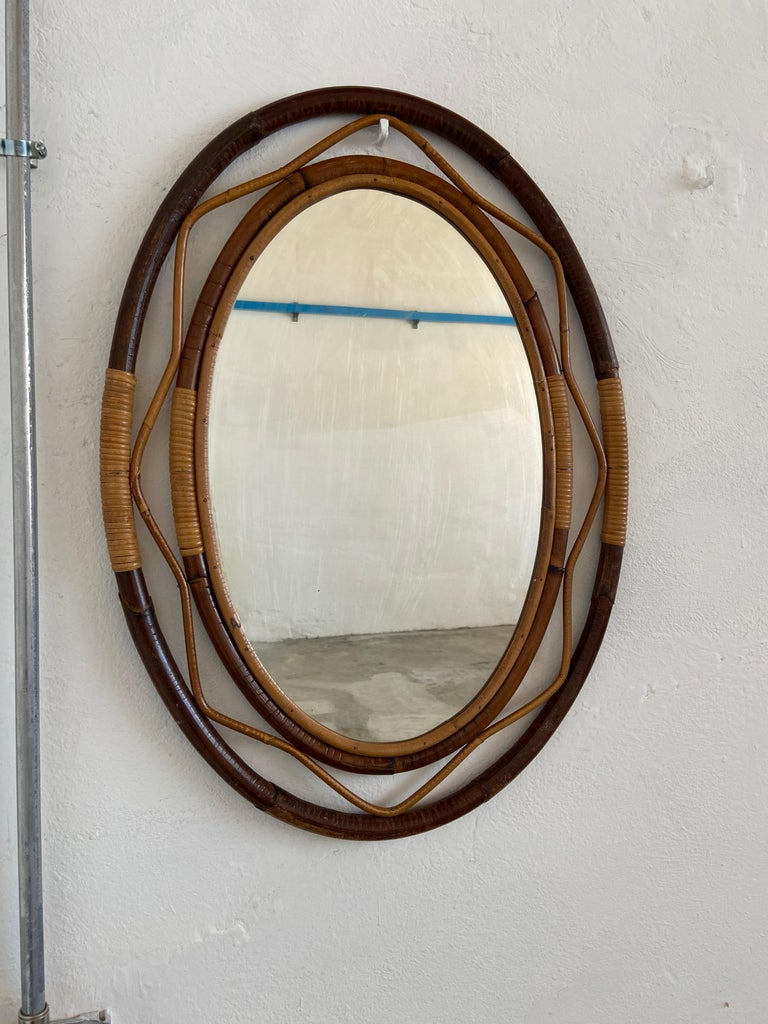 Mid-Century Modern Spanish Wicker and Cane Oval Wall Mirror, 1960s In Good Condition For Sale In Prato, IT