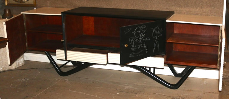 Mid-Century Modern Spectacular Giseppe Scapinelli Credenza Buffet In Excellent Condition For Sale In Pasadena, CA