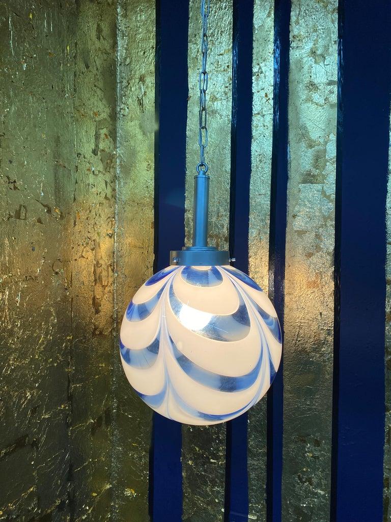 Mid-Century Modern Sphere Chandelier in Murano Swirl Glass by Venini, circa 1970 For Sale 4