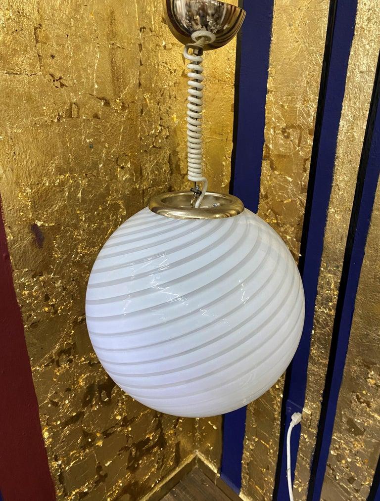 Mid-Century Modern Sphere Chandelier in Murano Swirl Glass by Venini, circa 1970 For Sale 5