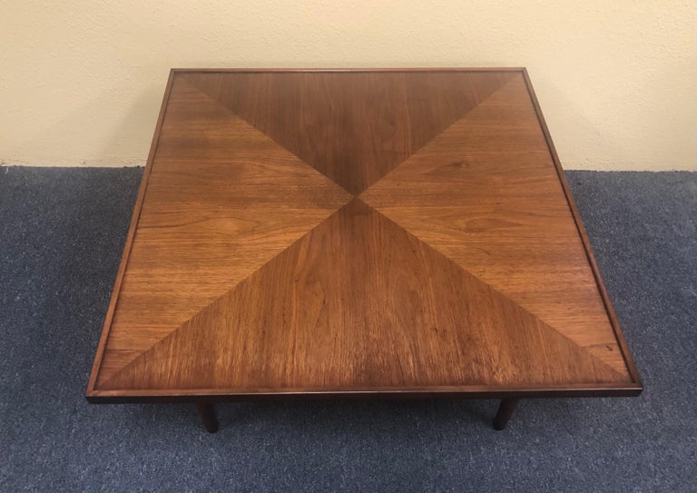 American Mid-Century Modern Square Coffee Table in Walnut For Sale