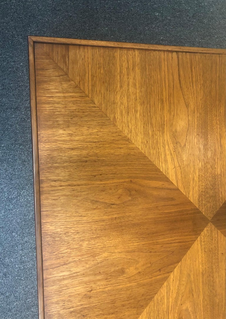 Mid-Century Modern Square Coffee Table in Walnut For Sale 3