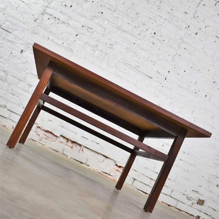 Mid-Century Modern Square Walnut Cocktail Coffee End Side Table Style Founders For Sale 6