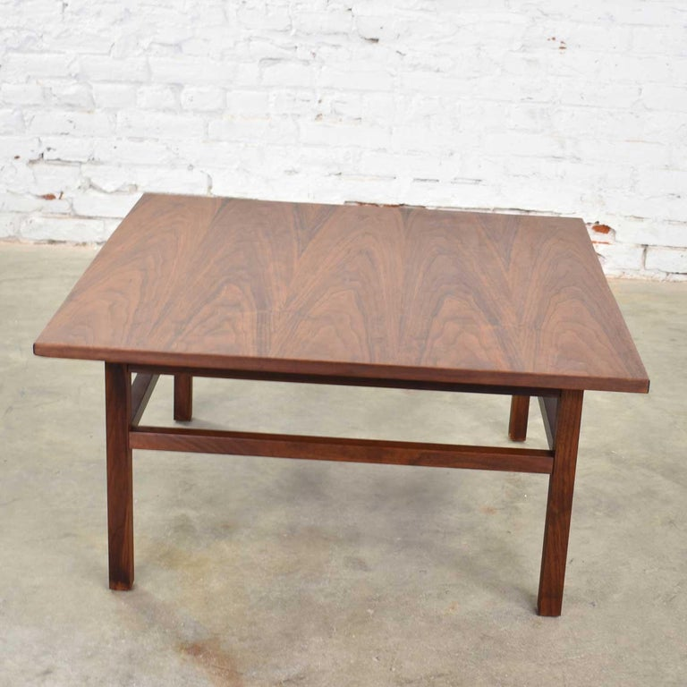 Mid-Century Modern Square Walnut Cocktail Coffee End Side Table Style Founders For Sale 8