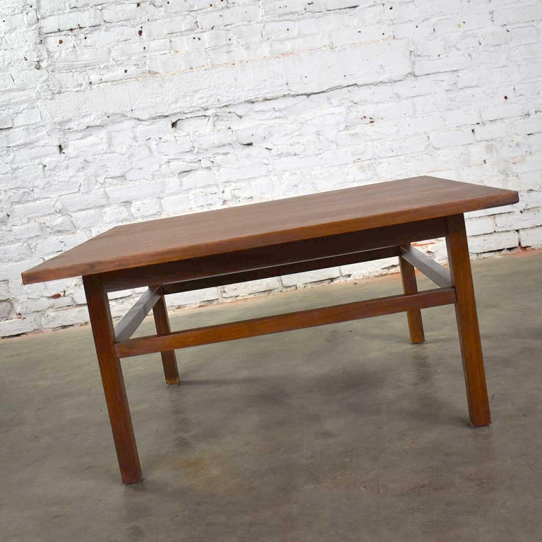 Mid-Century Modern Square Walnut Cocktail Coffee End Side Table Style Founders For Sale 9