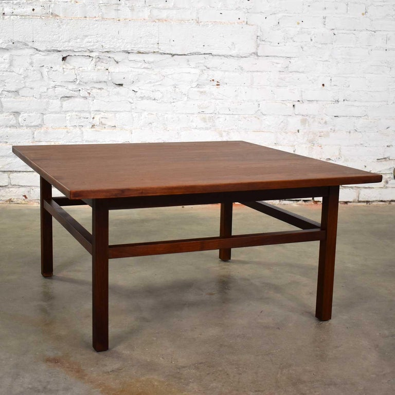 Mid-Century Modern Square Walnut Cocktail Coffee End Side Table Style Founders For Sale 1