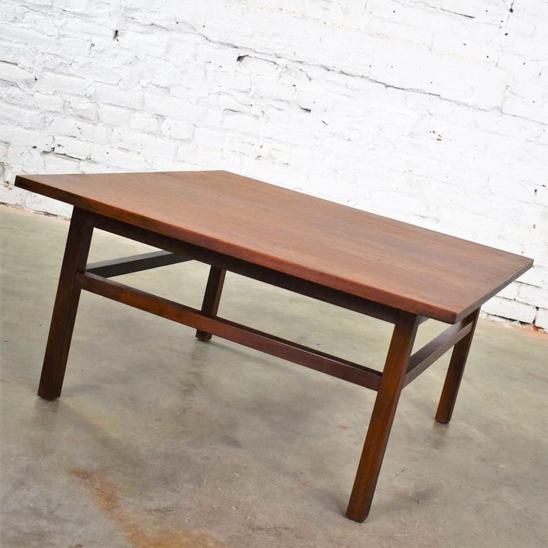 Mid-Century Modern Square Walnut Cocktail Coffee End Side Table Style Founders For Sale 2