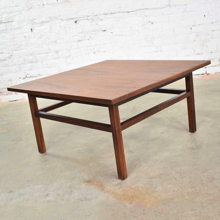 Mid-Century Modern Square Walnut Cocktail Coffee End Side Table Style Founders For Sale 5