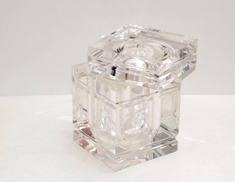Mid-Century Modern Stacked Lucite Ice Bucket and Attached Swing Lid For Sale 5