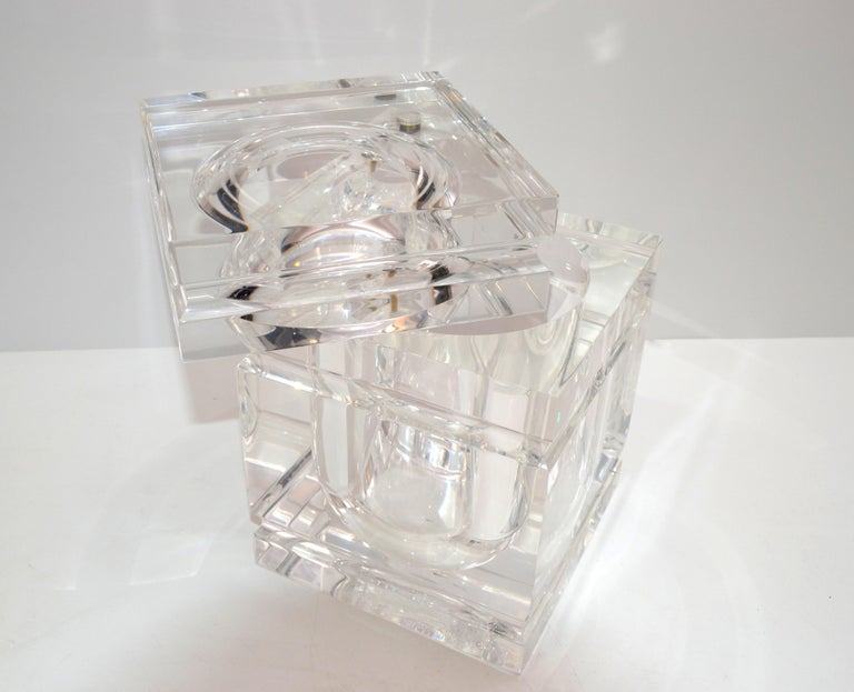 Mid-Century Modern Stacked Lucite Ice Bucket and Attached Swing Lid In Good Condition For Sale In Miami, FL