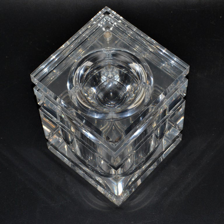 Late 20th Century Mid-Century Modern Stacked Lucite Ice Bucket and Attached Swing Lid For Sale