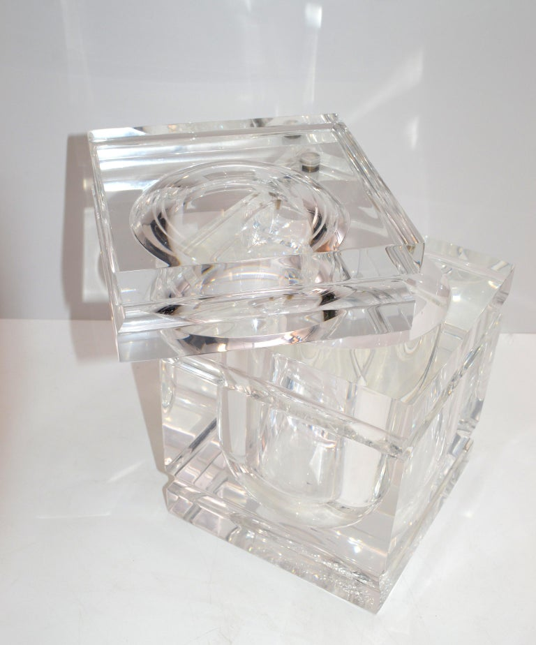 Mid-Century Modern Stacked Lucite Ice Bucket and Attached Swing Lid For Sale 1