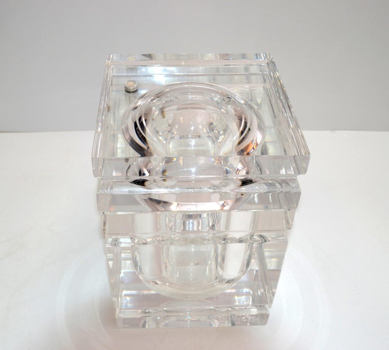 Mid-Century Modern Stacked Lucite Ice Bucket and Attached Swing Lid For Sale 3