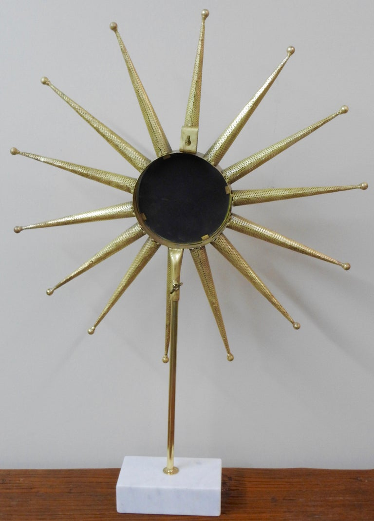 Mid-Century Modern Starburst Mirror on Stand In Fair Condition For Sale In Cookeville, TN