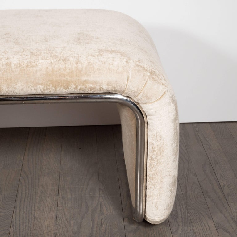 Mid-Century Modern Streamlined Waterfall Bench in Chrome and Champagne Velvet In Excellent Condition For Sale In New York, NY