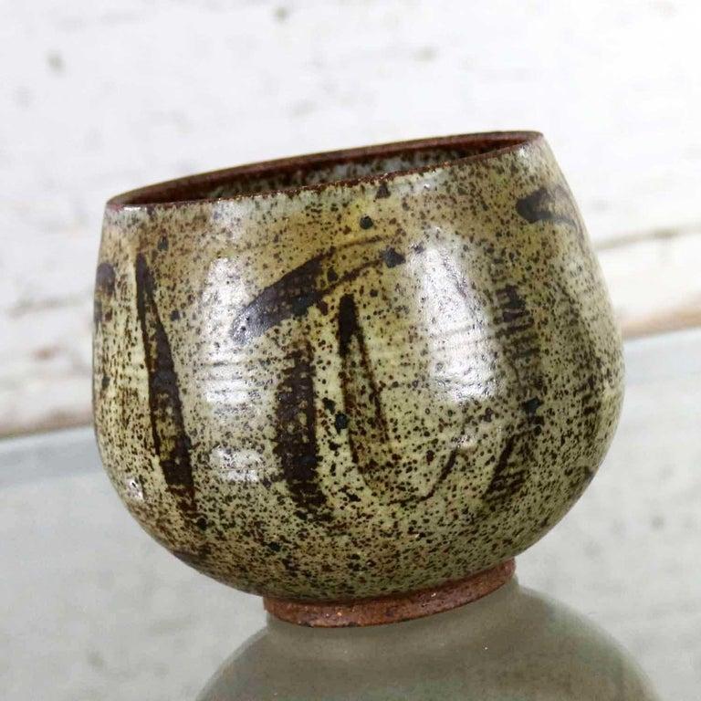 20th Century Mid-Century Modern Studio Ceramic Stoneware Pot by Mark Zamantakis For Sale
