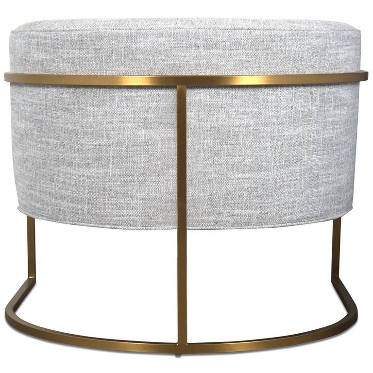 Mid-Century Modern Style Curved Accent Chair in Grey Linen & Brushed Brass Frame In New Condition For Sale In Compton, CA