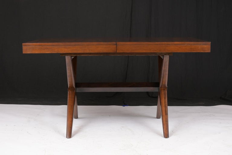 Plywood Mid-Century Modern Lacquered Walnut Dining Table For Sale