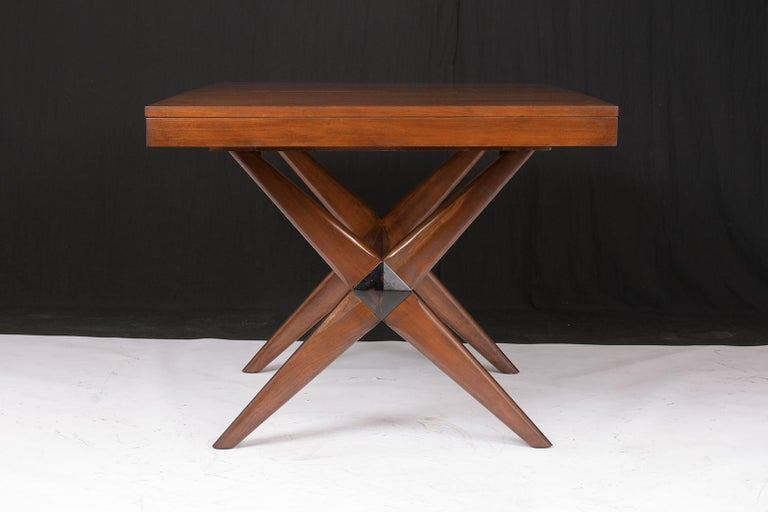 Mid-Century Modern Lacquered Walnut Dining Table For Sale 1