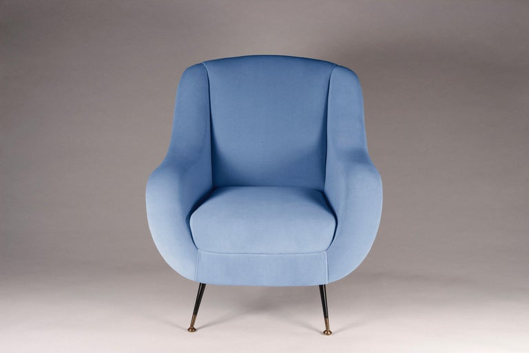 Mid-Century Modern Style Italian Lounge Chair in Light Blue Velvet In New Condition For Sale In London, GB