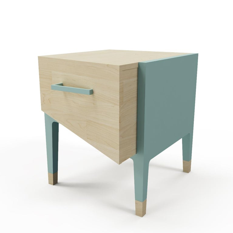 Mid-Century Modern Style Nightstand or End Table in Solid Wood In New Condition For Sale In San Miguel de Allende, Guanajuato