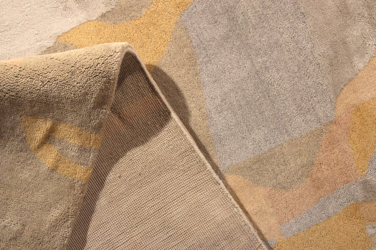 Contemporary Mid-Century Modern Style Rug Silver-Gray and Gold Pattern by Rug & Kilim For Sale