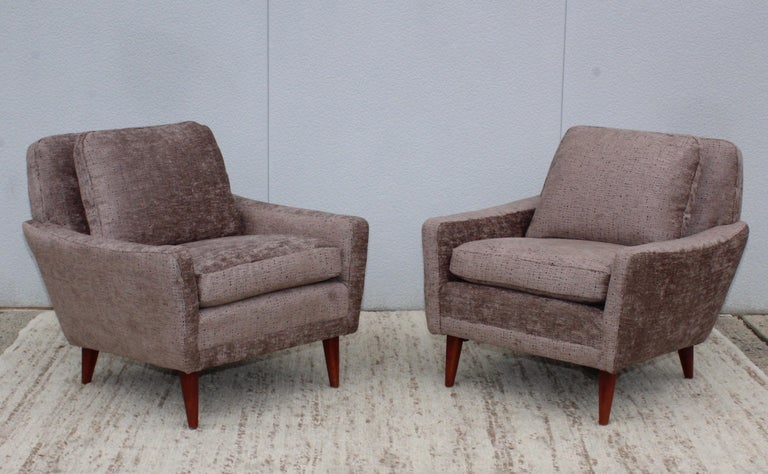 Mid-Century Modern Swedish Lounge Chairs by DUX In Good Condition In New York City, NY