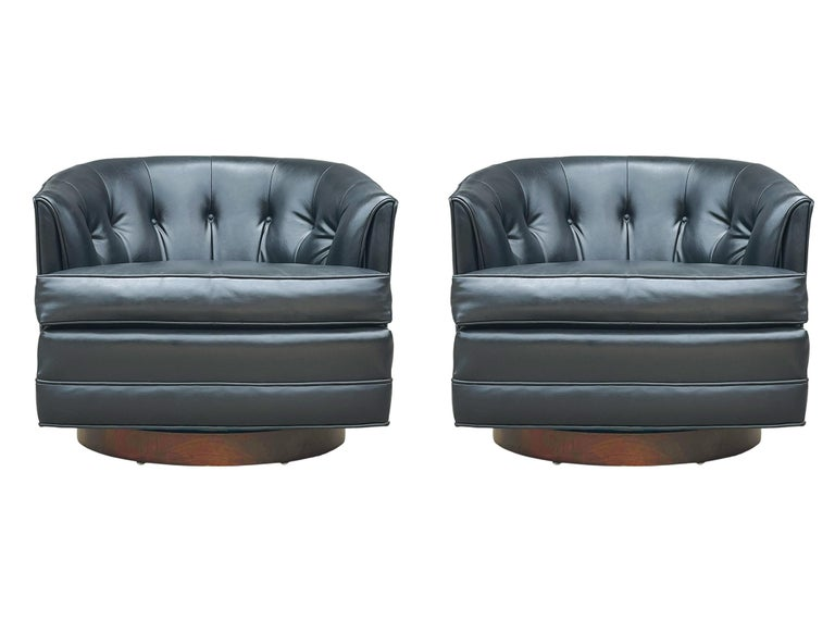 Mid-20th Century Mid-Century Modern Swivel Barrel Back Lounge Chairs or Club Chairs with Walnut For Sale