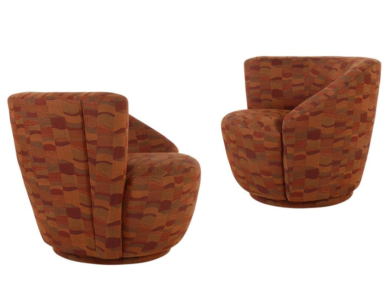 Late 20th Century Mid-Century Modern Swivel Club Lounge Chairs by Vladimir Kagan for Weiman For Sale
