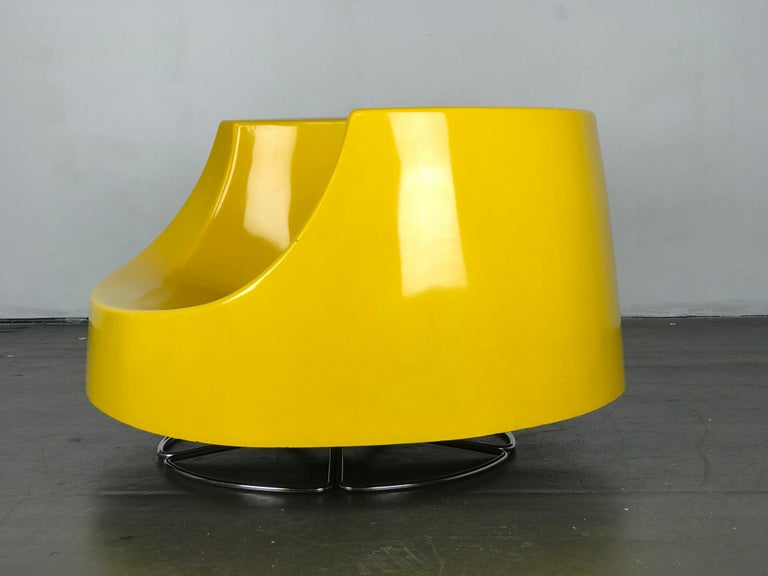 Fabric Space Age Mid Century Swivel Lounge Chair in Fiberglass and Chrome by Selig For Sale