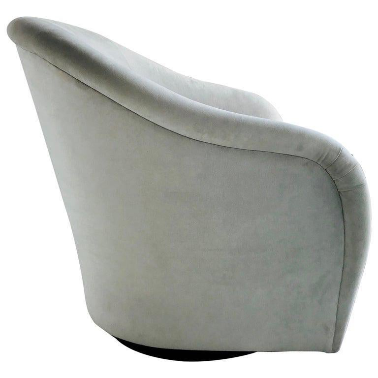 Mid-Century Modern Swivel Lounge Chair in Grey Velvet by Milo Baughman, 1970s For Sale 3