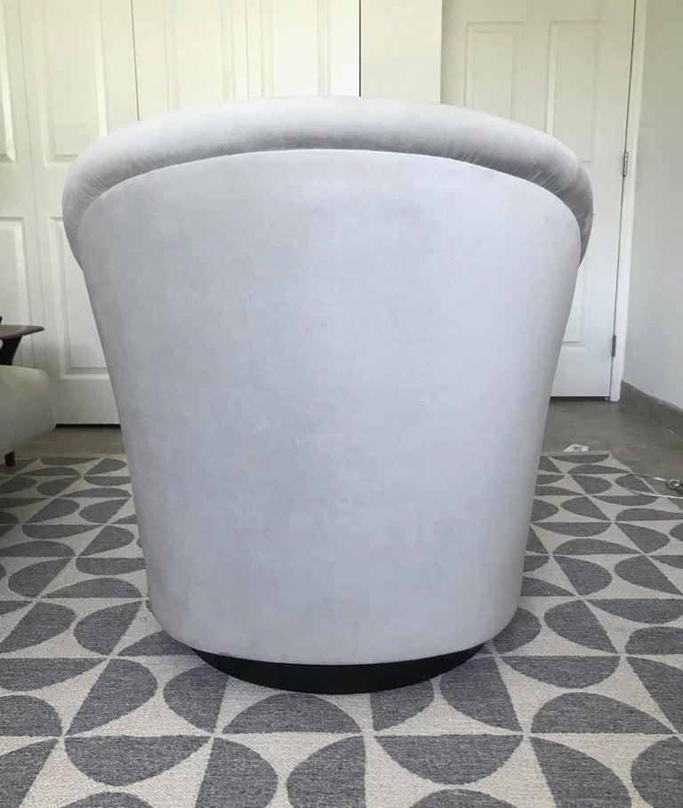 Mid-Century Modern Swivel Lounge Chair in Grey Velvet by Milo Baughman, 1970s For Sale 6