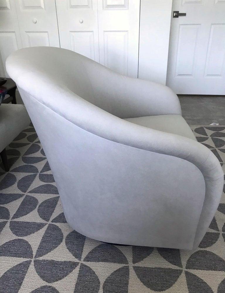 Mid-Century Modern Swivel Lounge Chair in Grey Velvet by Milo Baughman, 1970s For Sale 1