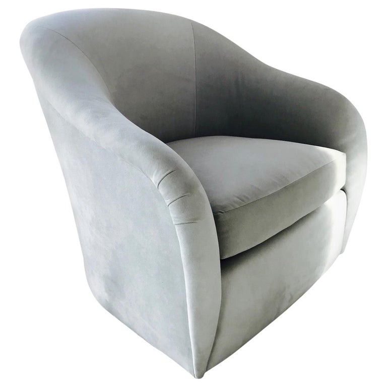 Mid-Century Modern Swivel Lounge Chair in Grey Velvet by Milo Baughman, 1970s For Sale