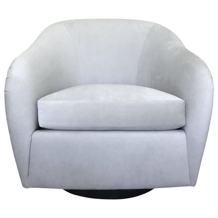 Mid-Century Modern Swivel Lounge Chair in Grey Velvet by Milo Baughman, 1970s For Sale