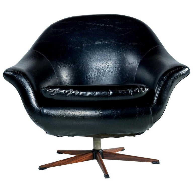 American Mid-Century Modern Swivel Pod Chair with Rosewood Base by Burris For Sale