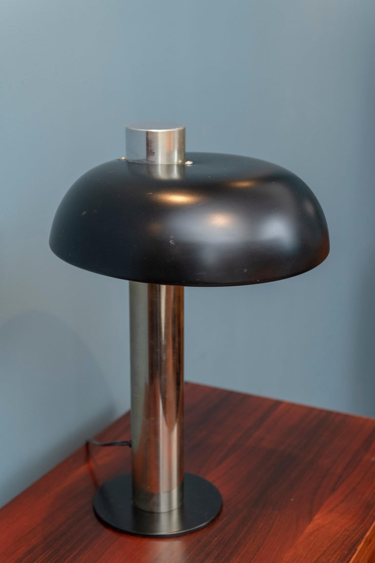 Mid-Century Modern Table Lamp by Laurel For Sale 1