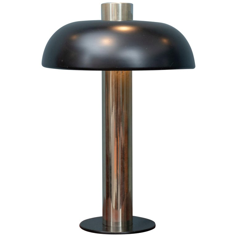 Mid-Century Modern Table Lamp by Laurel For Sale