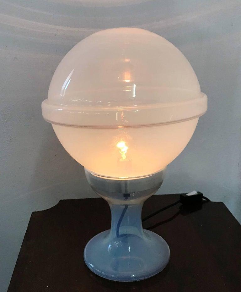 Space Age one-light table lamp designed by Carlo Nason for mazzega, circa 1965 in Murano opalescent glass.