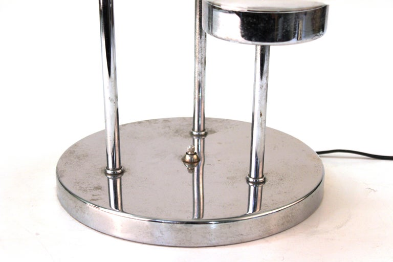 Mid-Century Modern Table Lamp in Chrome with Domed Lights In Good Condition For Sale In New York, NY