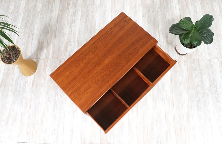 Mid-20th Century Mid-Century Modern Teak Chest of Drawers by Westnofa For Sale