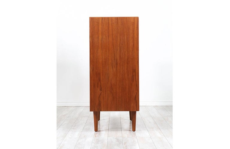 Mid-Century Modern Teak Chest of Drawers by Westnofa For Sale 3