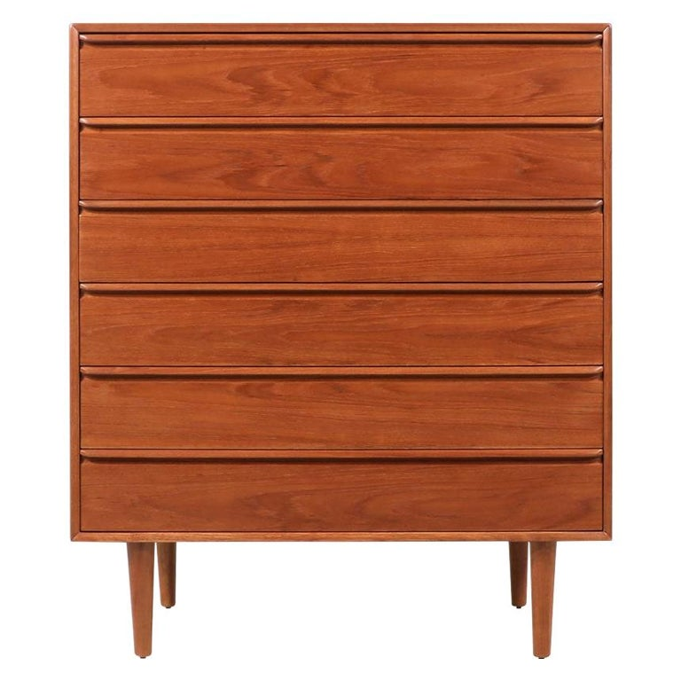 Mid-Century Modern Teak Chest of Drawers by Westnofa For Sale