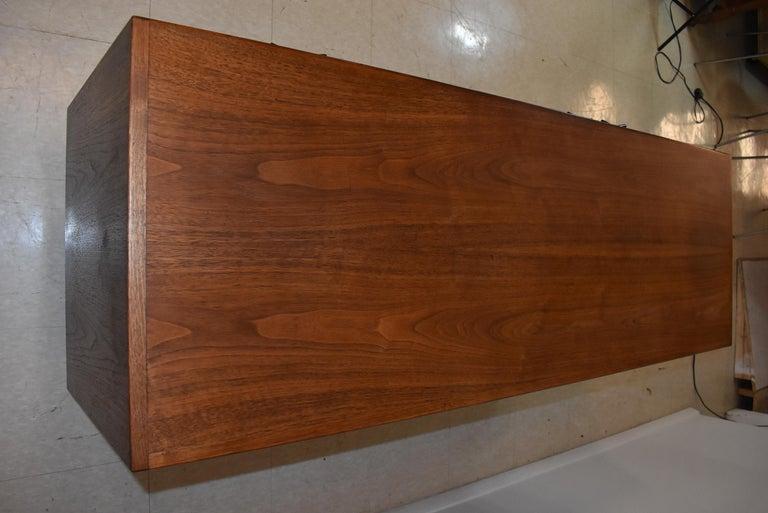 Jens Risom Mid-Century Modern Teak Credenza / File Cabinet Y Aluminum Handles For Sale 1