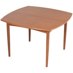 Mid-Century Modern Teak Extendable Dining Room Table by Cees Braakman for Pastoe