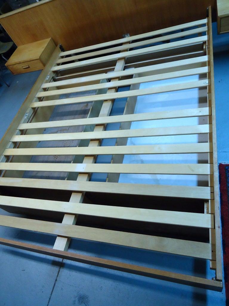 Mid-Century Modern Teak Queen Size Platform Bed For Sale 5