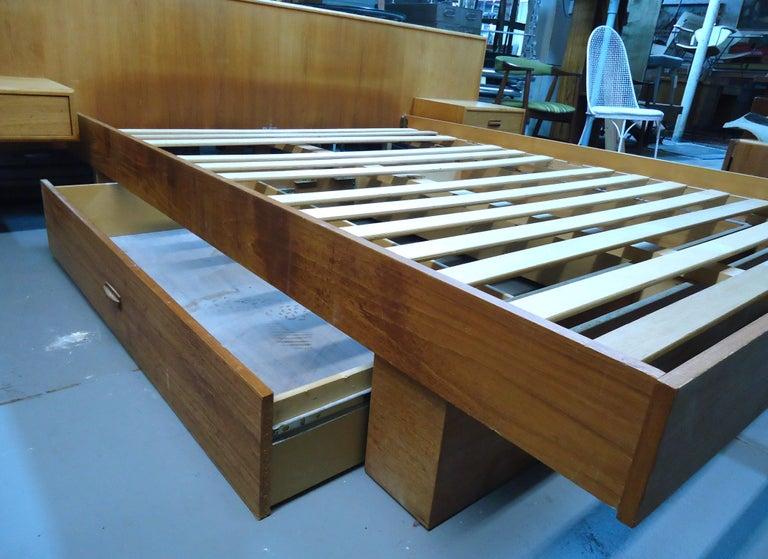 Wood Mid-Century Modern Teak Queen Size Platform Bed For Sale